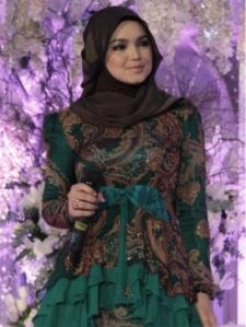 Hijab  Cantik ala Siti Nurhaliza 5